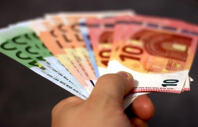 Zaubertrick mit Geldschein